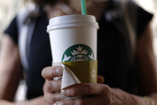 Đằng sau cốc giấy Starbuck là câu chuyện marketing đầy tinh tế