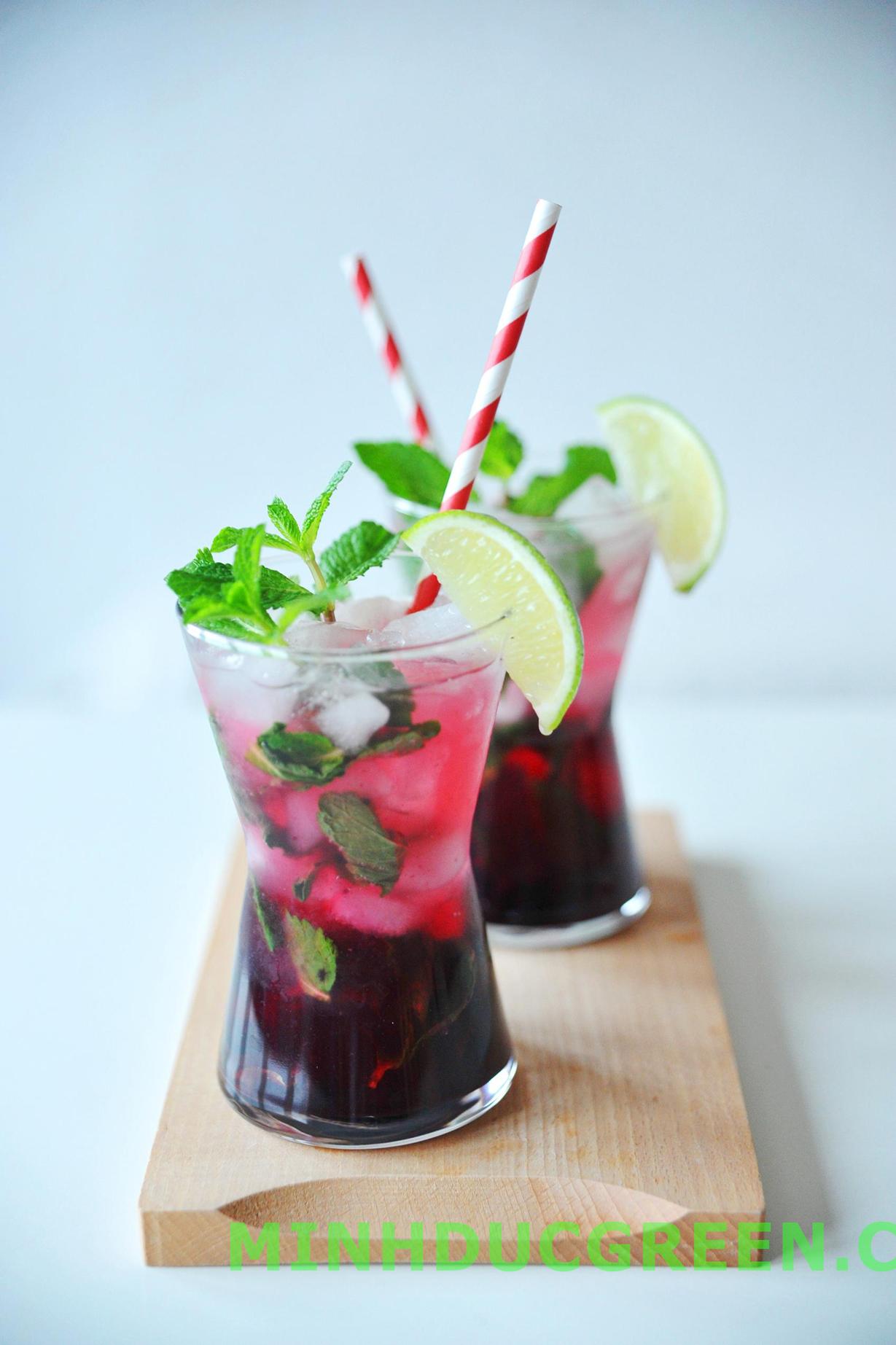 Cách pha chế cocktail vodka với việt quất